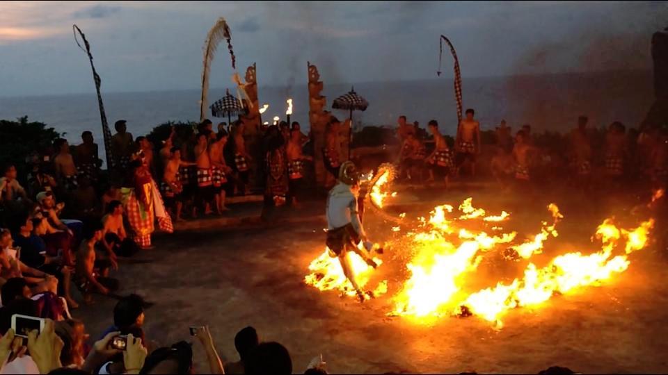 kecak-dance-bali-fire-dance
