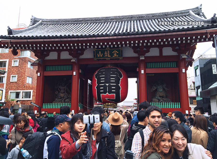 asakusa temple entrance gate