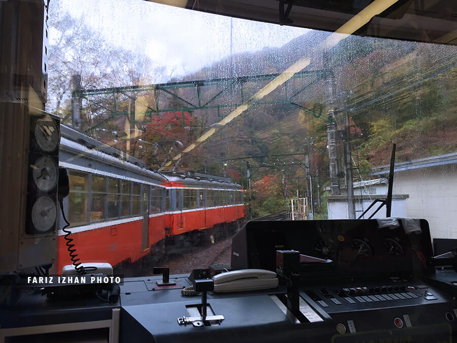 train naik bukit hakone