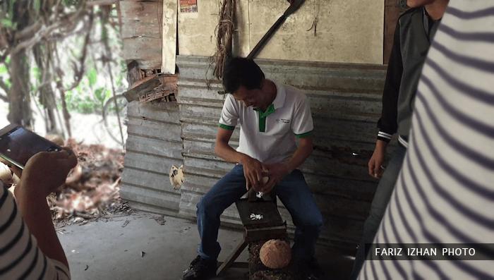tradisional-korek-kelapa-sungai-mekong-vietnam