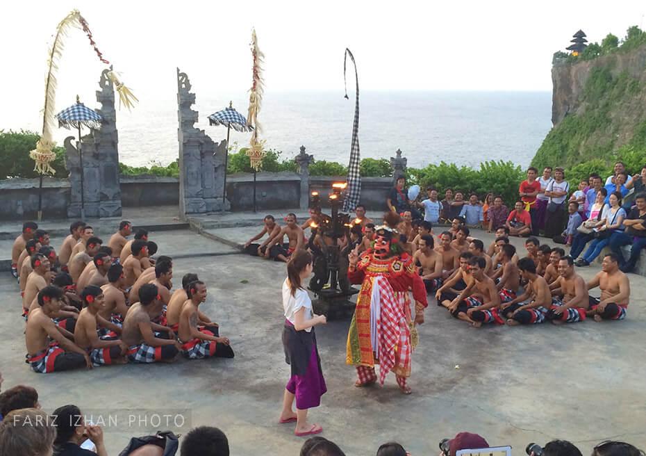 bali-fire-dance-uluwatu-temple